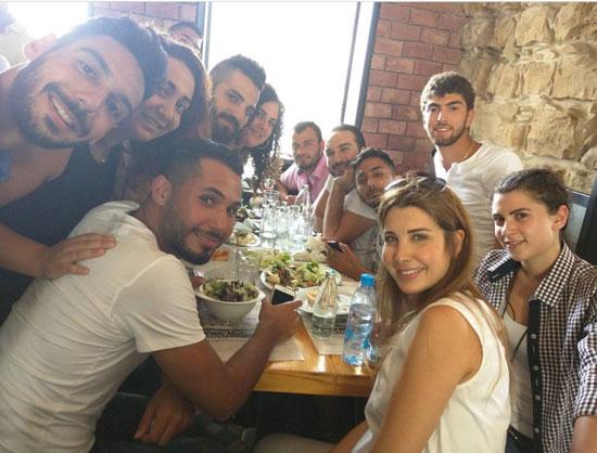 صورة نانسى عجرم تنشر صورة لها على انستجرام فى عزومة غداء مع جمهورها